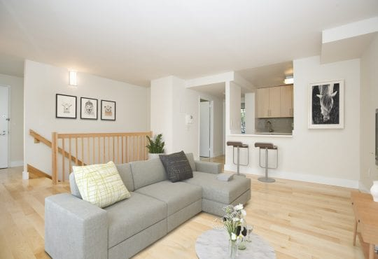Interior gallery - 3 of 7 - 100 Jane Duplex Living Room