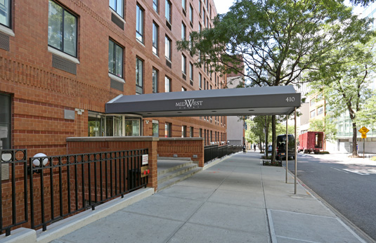Building gallery - 1 of 1 - outdoor awning at Midwest Court